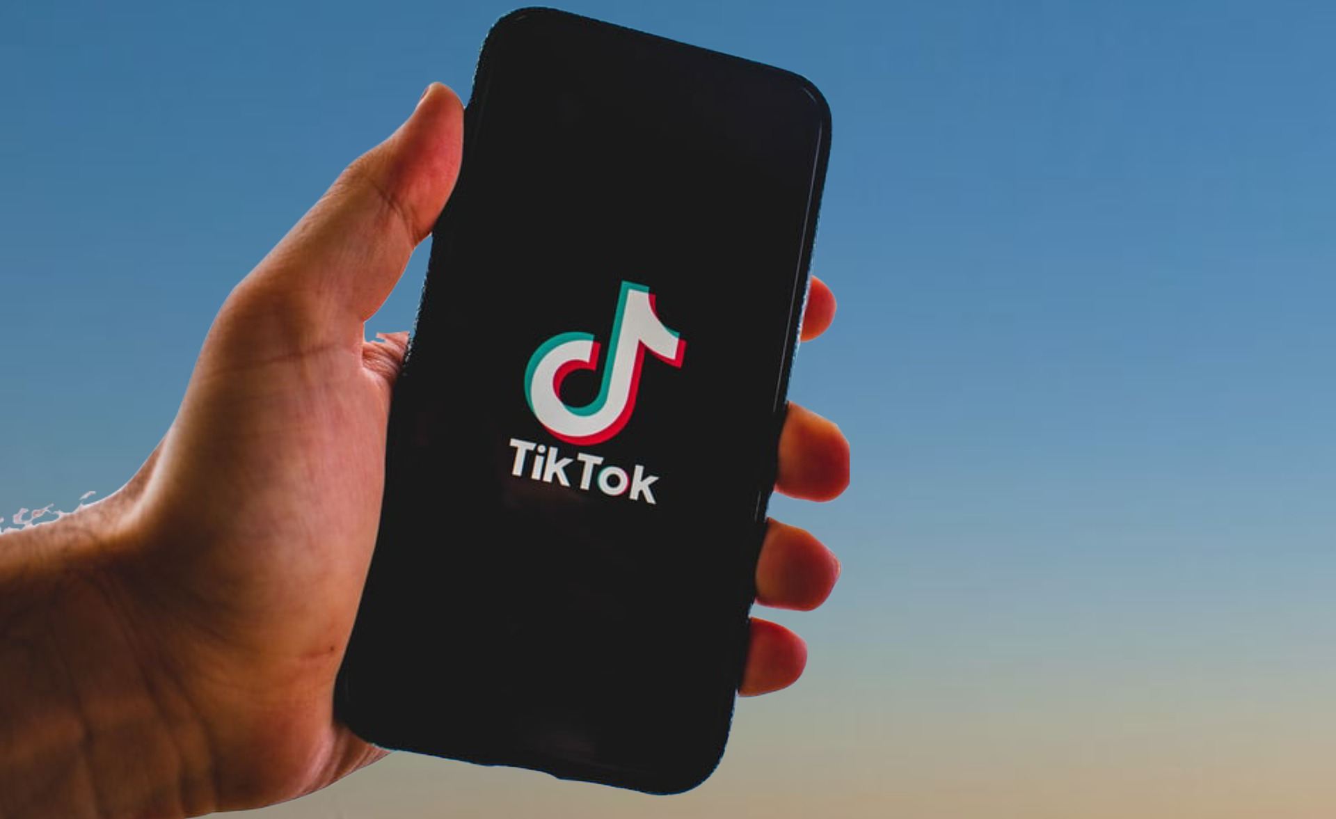 """""""The Weeknd"""" to hold an augmented-reality concert on TikTok"""
