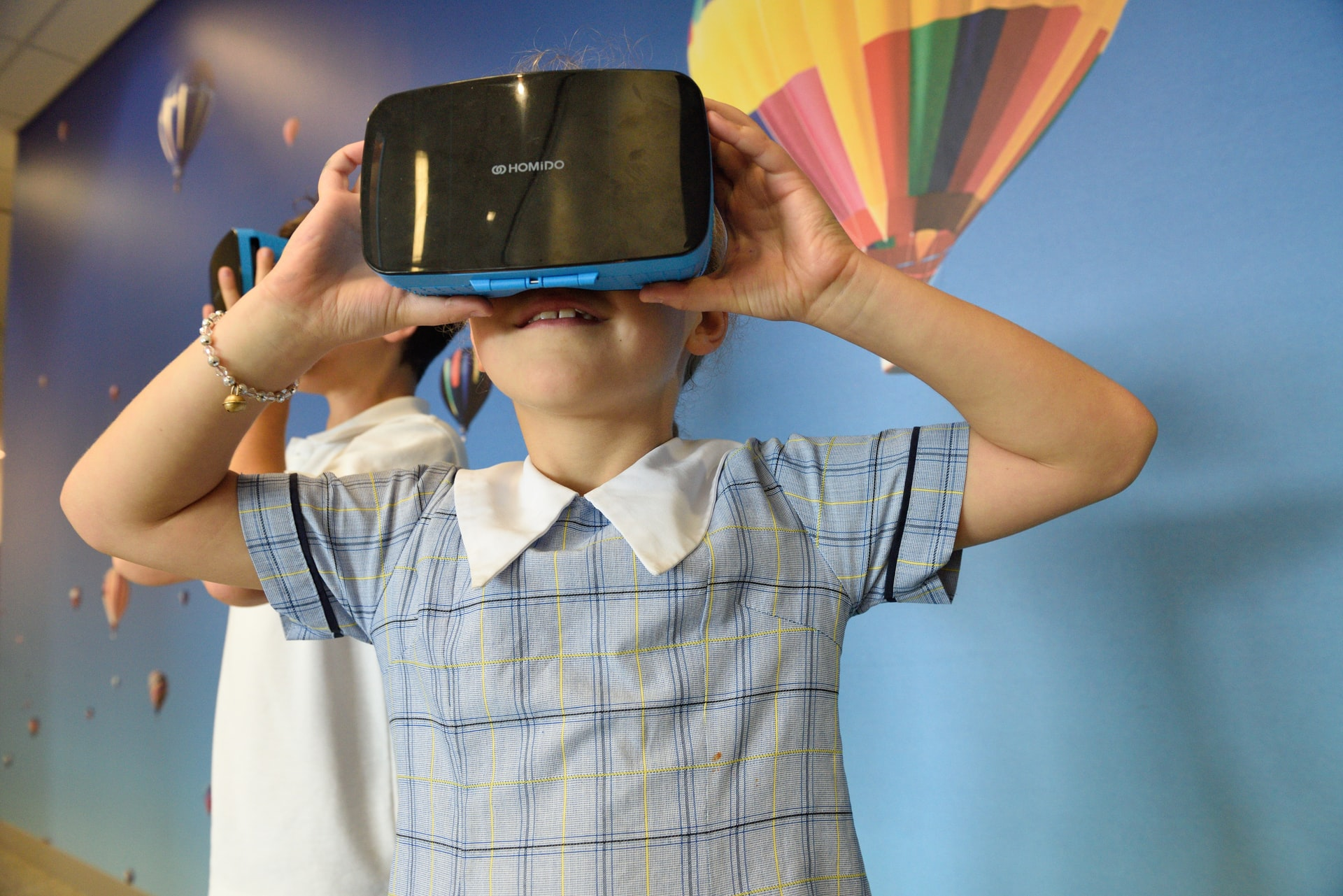 Use of Augmented Reality and Virtual Reality in School