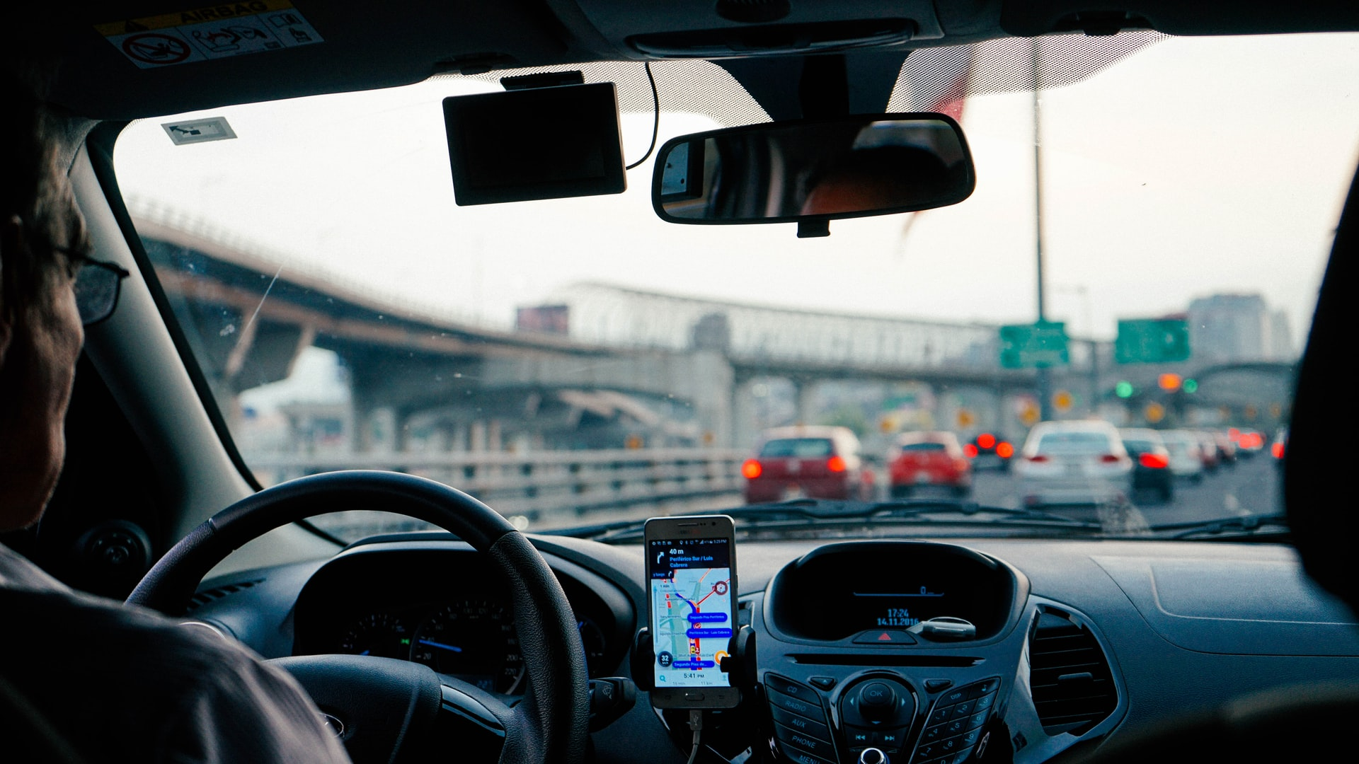 In-Vehicle Navigation Systems to Get Surrounding Reality on Xpeng Cars