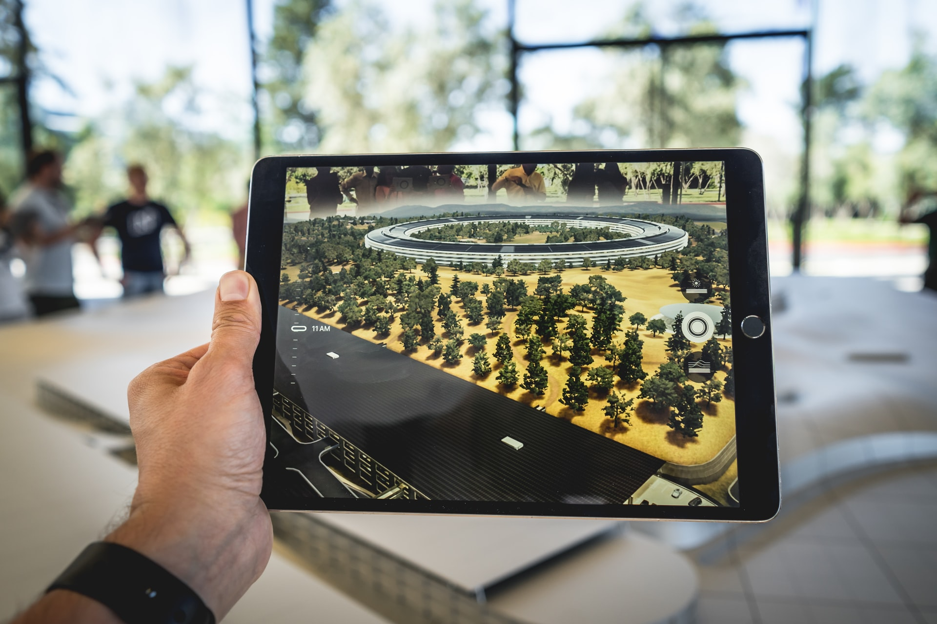 Five Powerful Real-World Applications of Augmented Reality
