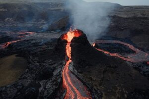 Duo Use an Insta360 Pro 2 to Capture the First 8K VR Drone Video of Iceland's Volcano