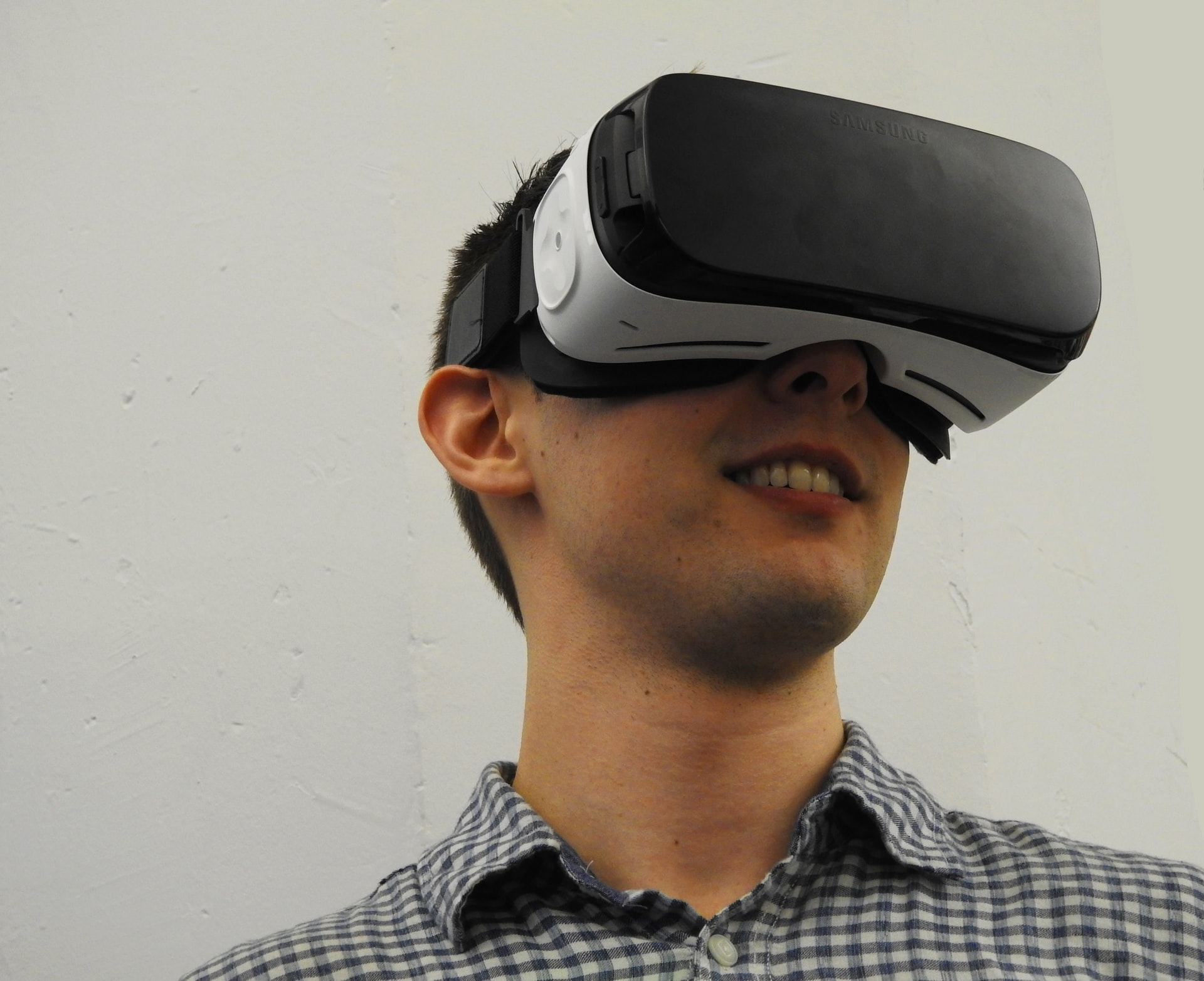 Pioneer Behind PlayStation's VR System to Build the Next Generation of Developers