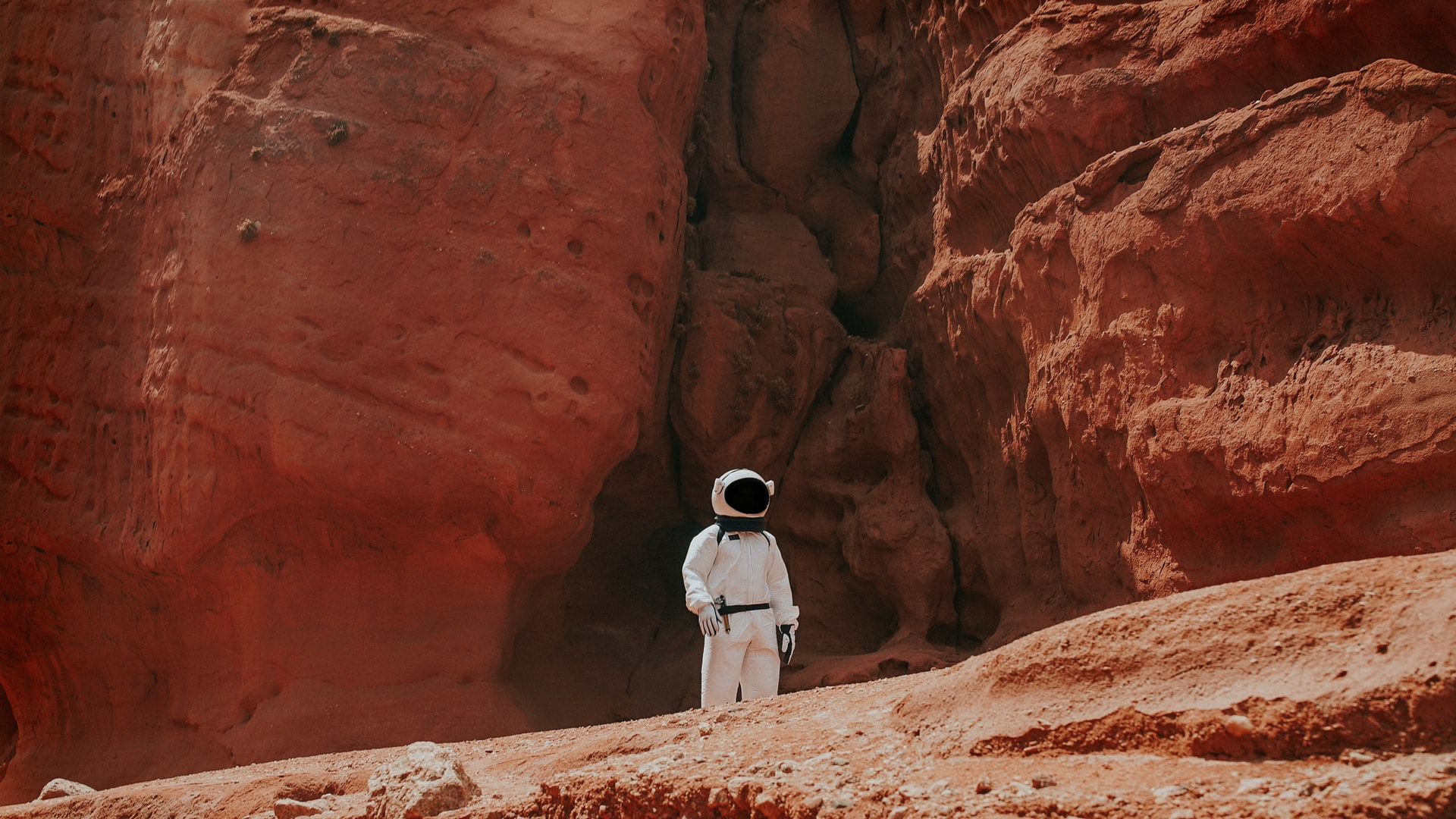 Dubai-based Institution Creates a VR Campus to Take Its Students to Mars