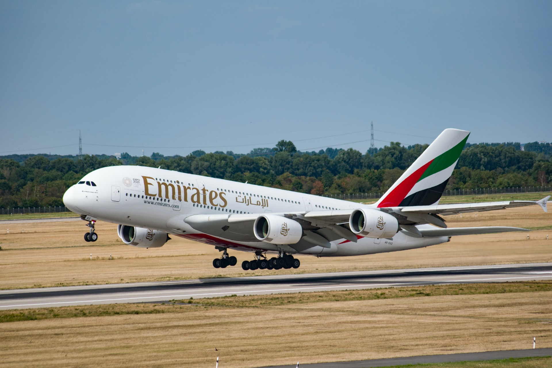 Experience the First Class Aboard an Emirates Flight in Virtual Reality